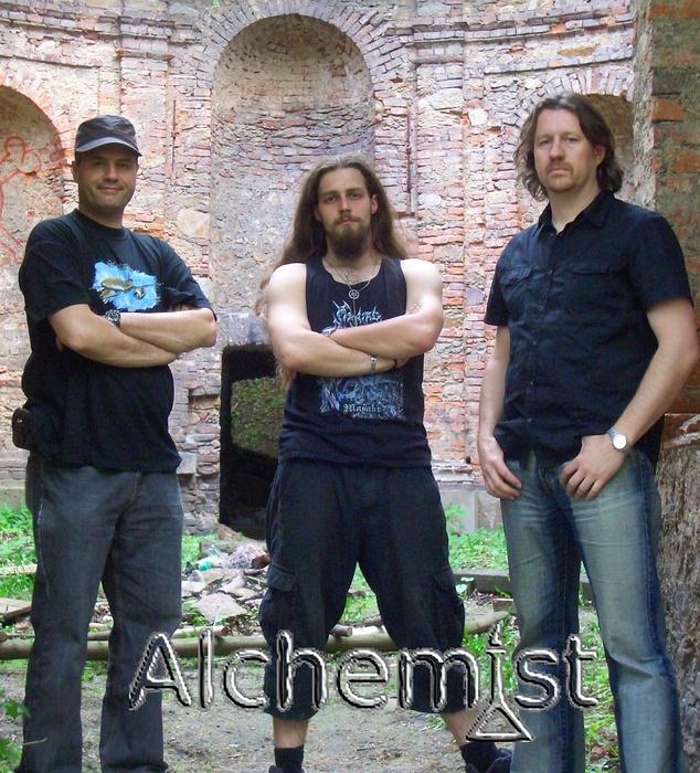http://usr.bandzone.cz/band//al/alchemist/b7/54/a249/zKyyVZmUJz4Cna_q_q5xvjPKj51No0eY.jpg