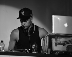 Profilový obrázek DJ Public
