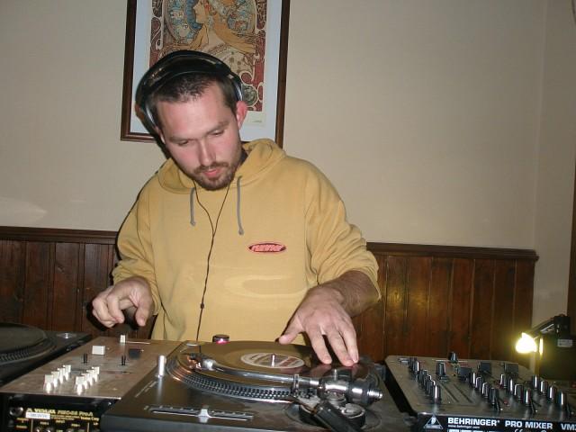DJ GOLD 40