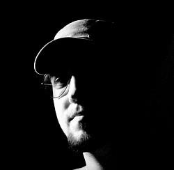 Profilový obrázek Vojta - Bass in your face!!