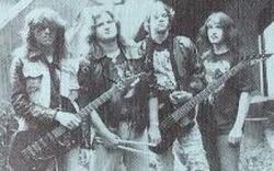 Otřesné orgie - omylem vzniklá improvizující kapela ovlivněná psychedelií všeho.