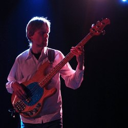 Profilový obrázek Tomáš Kedzior - baskytara