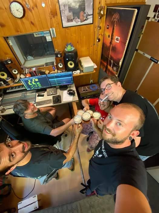 S Palinom pripíjame na nový album v štúdiu Shaark.