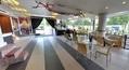 Foyer (pohled od baru)